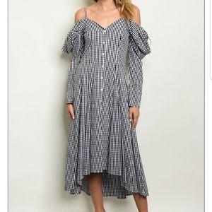 HP🌟Black/White Gingham Hi Low Dress